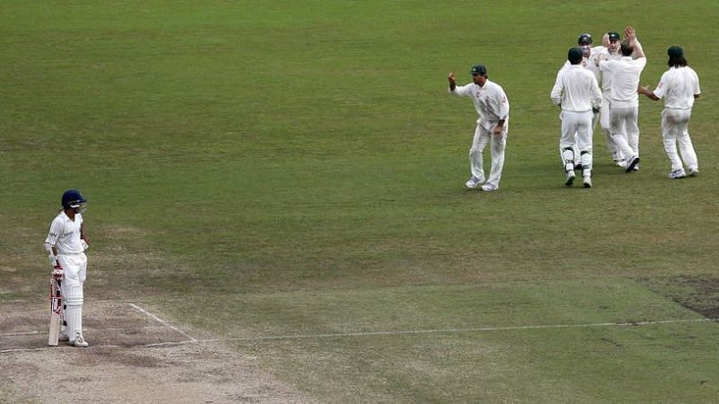 Ricky Ponting showing Ganguly the raised finger after a controversial catch in the 2008 SCG Test