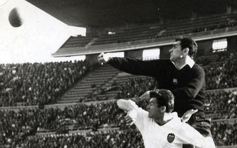 Antoni Ramallets is a Barcelona legend. Image Source: www.fcbarcelona.com