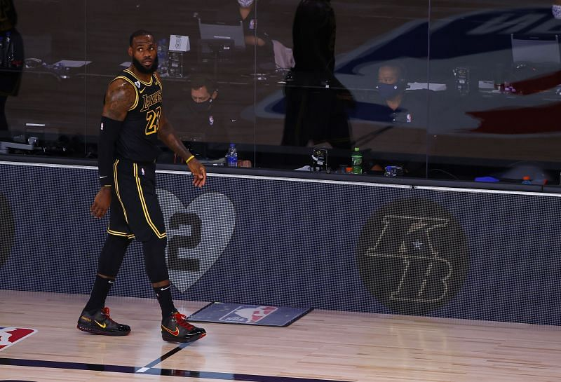 LeBron James in the special Black Mamba jerseys for the LA Lakers