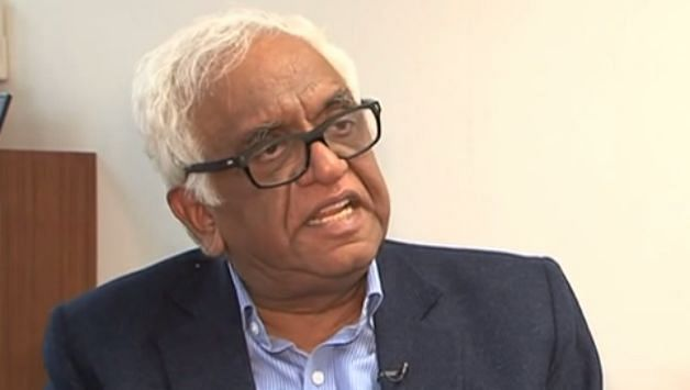 Justice (Retd.) Mukul Mudgal was left surprised when match referee Jeff Crowe covered 10 rows above the sightscreen. Image Credits: Cricket Country