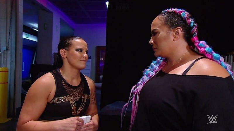 WWE विमेंस टैग टीम चैंपियंस शायना बैज़लर और नाया जैक्स