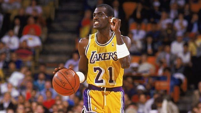 Michael Cooper in action for the LA Lakers in the 1980s [Credits: Laker Nation]