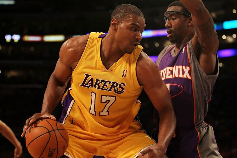 Andrew Bynum in action for the LA Lakers