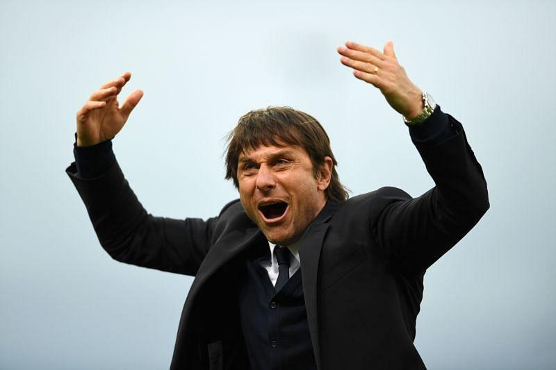 Antonio Conte has finally managed to get a deal for Arturo Vidal over the line