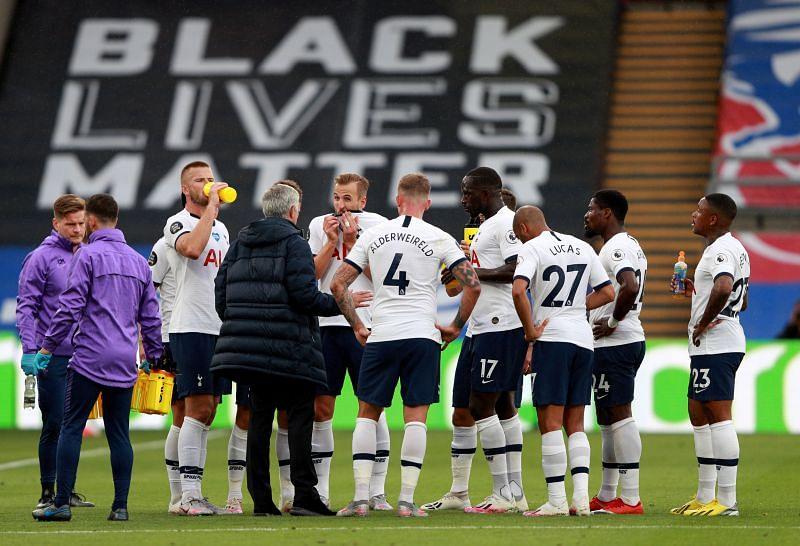 Jose Mourinho addressing the Tottenham players
