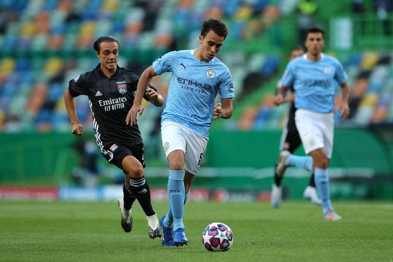 Eric Garcia of Manchester City runs with the ball