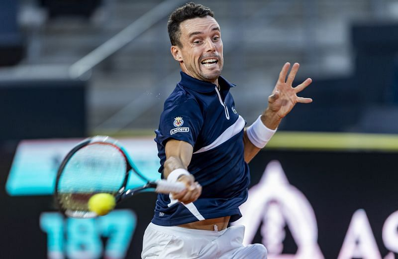 Roberto Bautista Agut hits a forehand