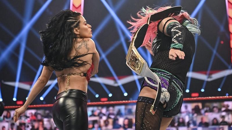 Zelina Vega slaped Asuka on RAW