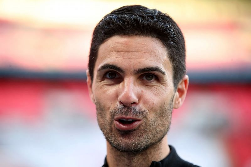 Mikel Arteta is looking to add a midfielder to his squad before the transfer deadline