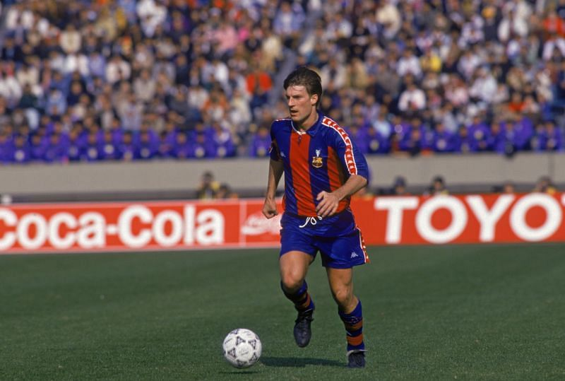 Michael Laudrup playing the No.10 role for Barcelona