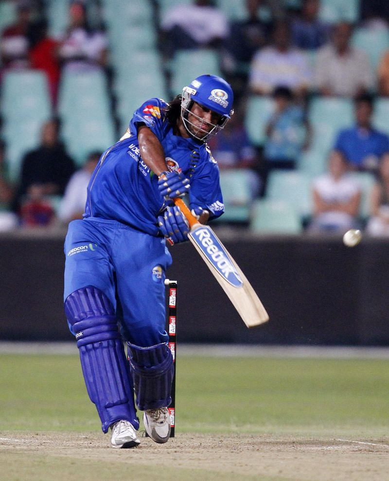 Mumbai Indians v South Australian Redbacks - 2010 Champions League Twenty20