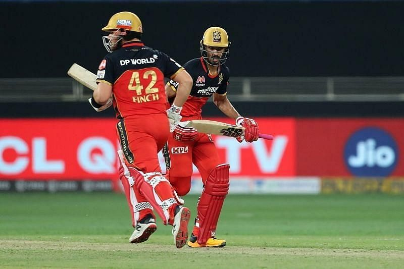 Finch and Padikkal en route to their 90-run opening stand.