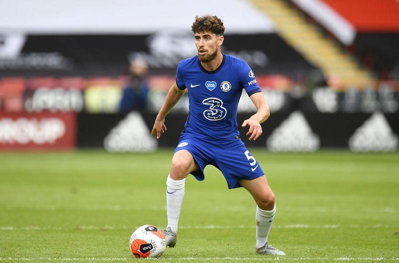 Chelsea midfielder Jorginho in action