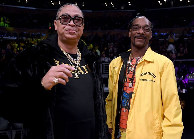 Snoop Dogg at a Lakers game