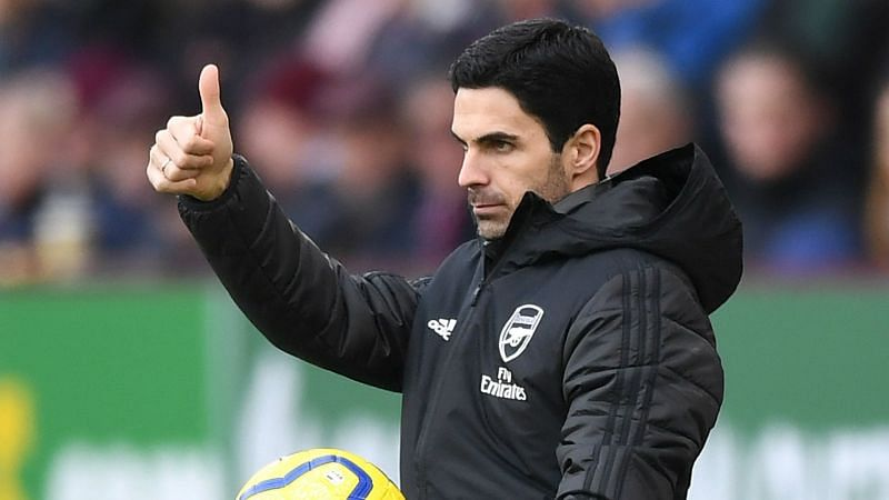 Enter captioArsenal could move top of the Premier League with a win over Liverpool