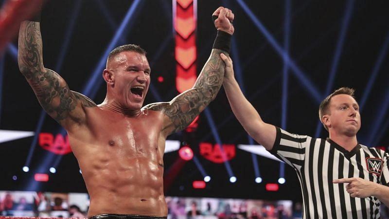 Raw में रैंडी ऑर्टन की जीत