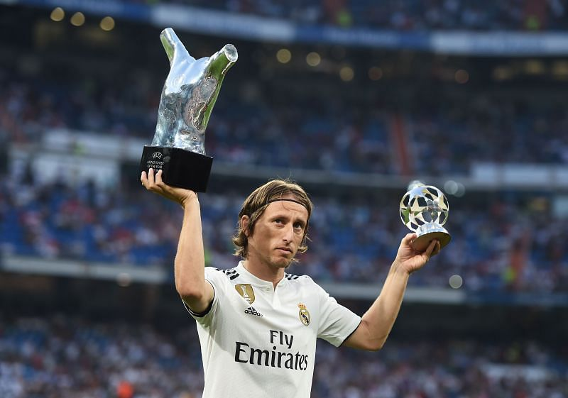 Luka Modric of Real Madrid celebrates with his 2017/18 UEFA Men