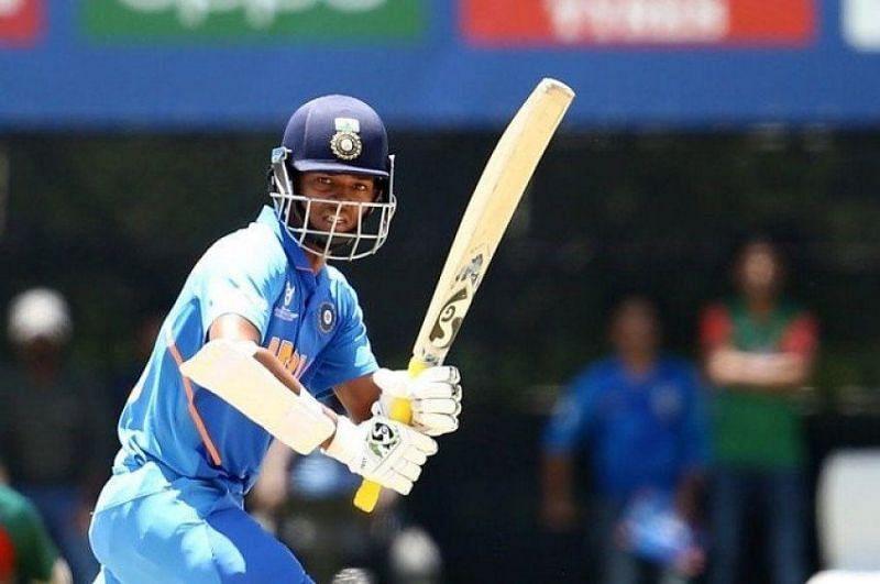 Yashasvi Jaiswal batting for India U-19 (courtesy: Pinterest)