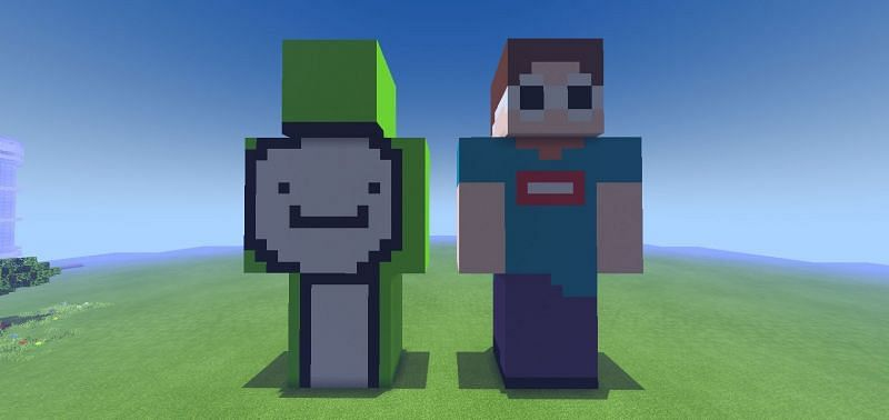 Skins of Dream (left) and GeorgeNotFound (right) on Minecraft