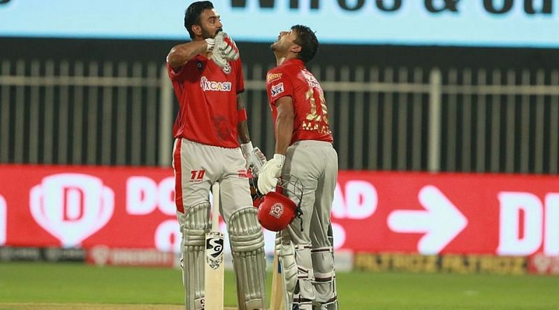 KL Rahul and Mayank Agarwal en route the highest partnership by an Indian pair in IPL history (Image Credits: The Indian Express)