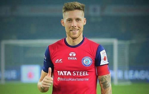 Tiri in a Jamshedpur FC shirt.