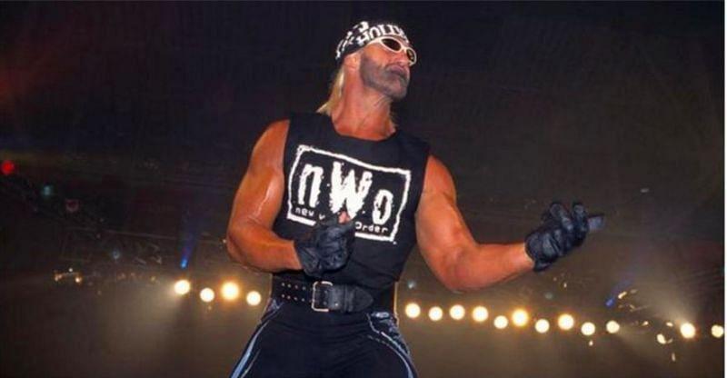 Arn Anderson has talked about Hulk Hogans transformation into Hollywood Hulk Hogan
