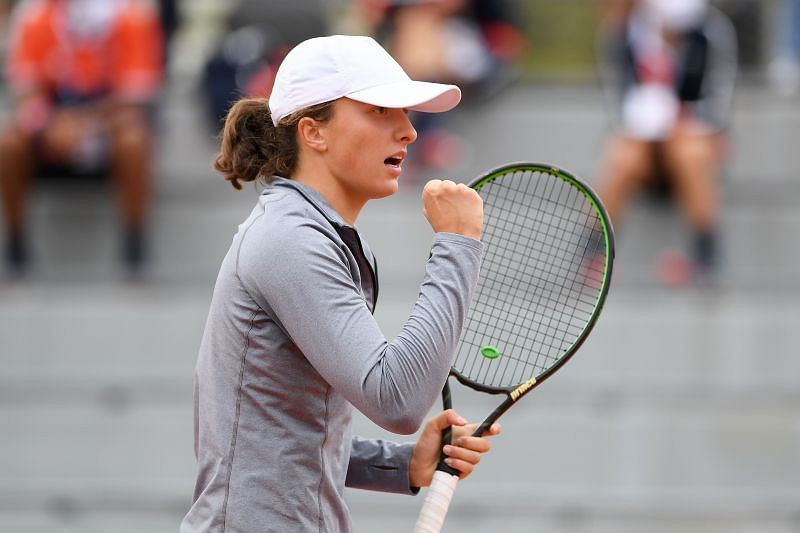 Iga Swiatek is through to the fourth round of the French Open for the second year in a row.