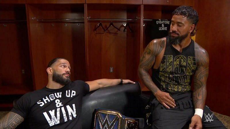 WWE Raw में रोमन रेंस पहली बार हुए थे पिन