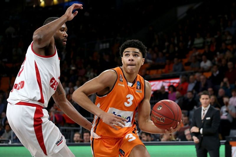 Hayes in action for Ulm [Image: eurocupbasketball.com]