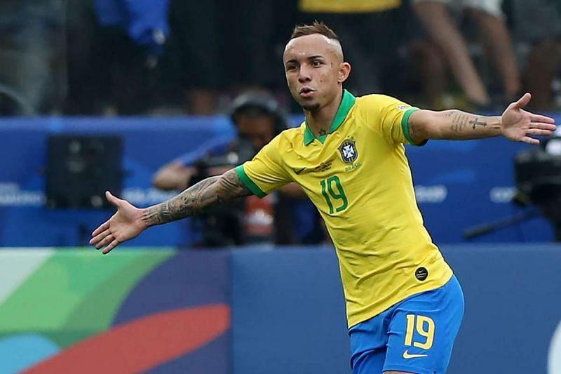Ribeiro won a penalty and created Neymar