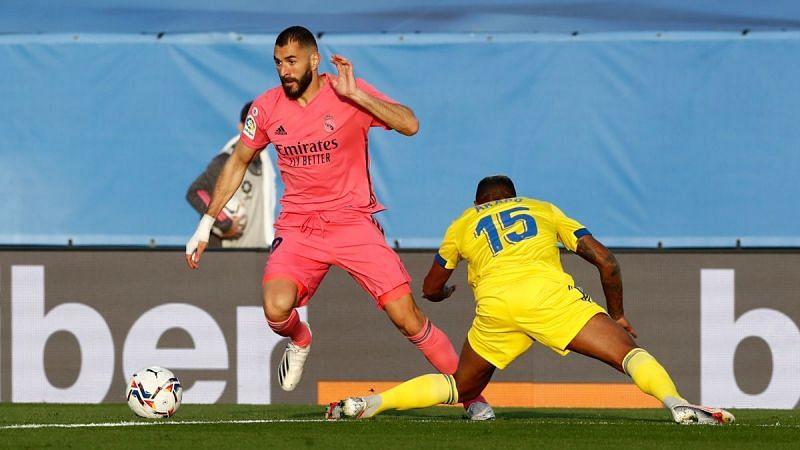 Karim Benzema in action against Cadiz