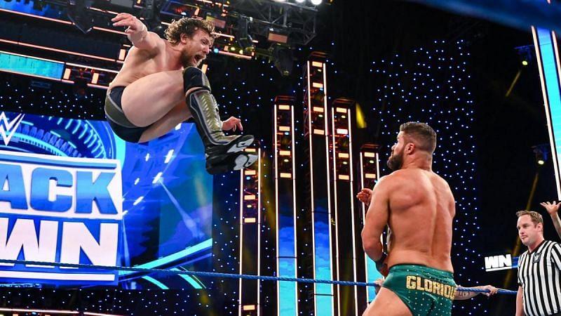 SmackDown में केविन ओवेंस, डेनियल ब्रायन और स्ट्रीट प्रॉफ़िट्स vs डॉल्फ ज़िगलर, रॉबर्ट रूड, सिजेरो और नाकामुरा