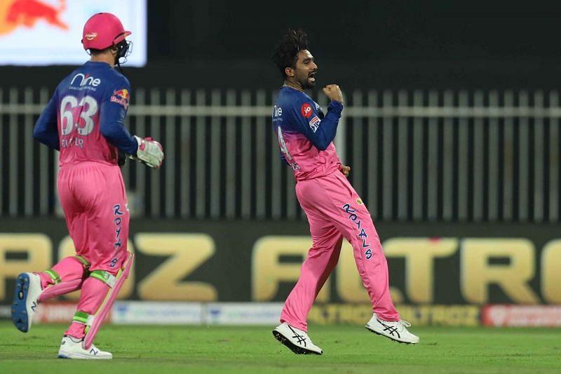 Tewatia celebrates the wicket of Stoinis.