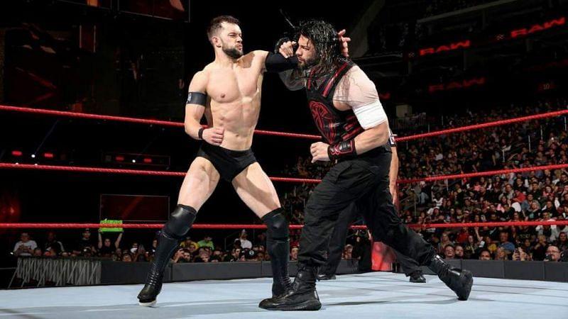 WWE सुपरस्टार फिन बैलर और रोमन रेंस