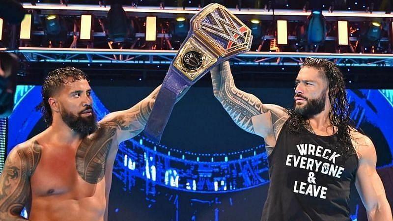 WWE सुपरस्टार रोमन रेंस और जे उसो