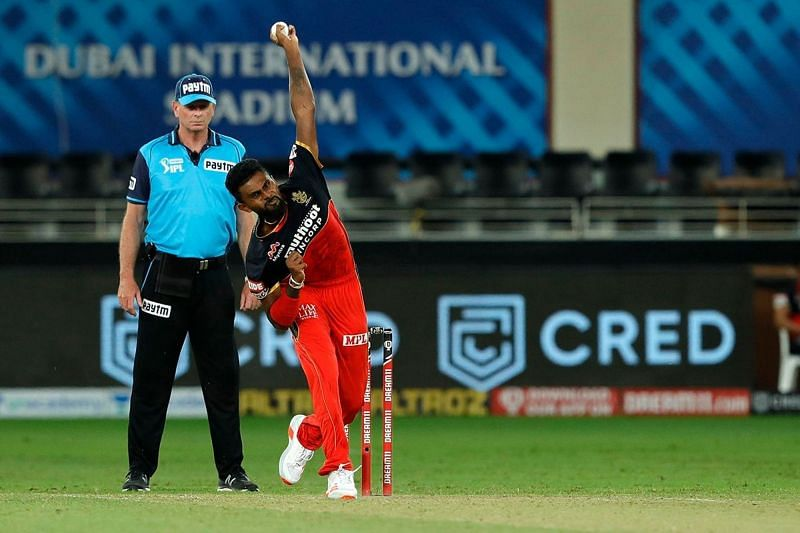 Isuru Udana in action for RCB. Image Credits: iplt20.com