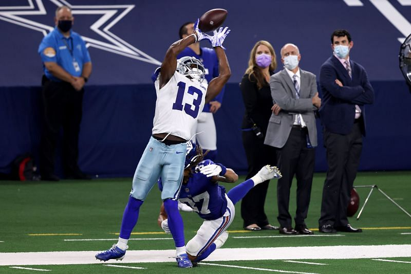 Cowboys WR Michael Gallup going up for a catch against the New York Giants