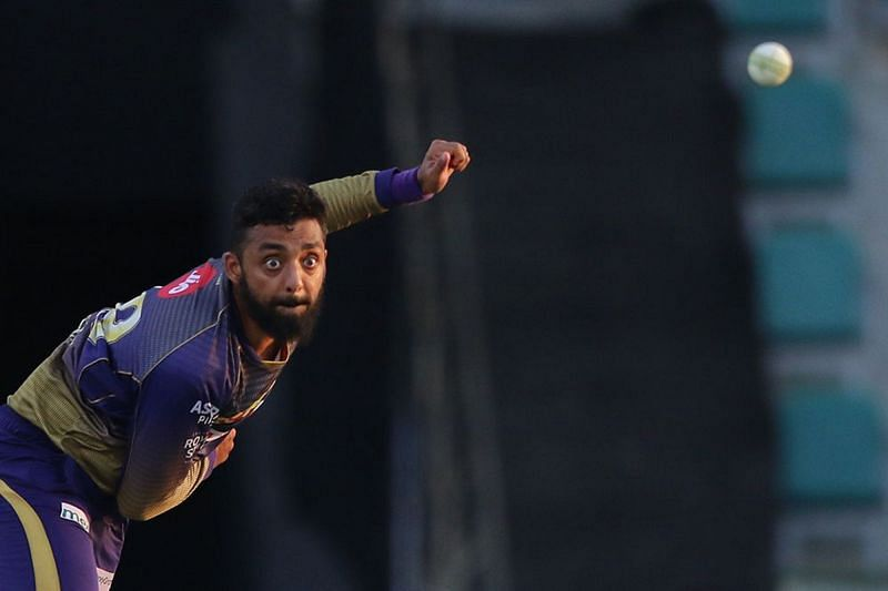 Varun Chakravarthy in action for KKR during IPL 2020. (Image credits: IPLT20.com)
