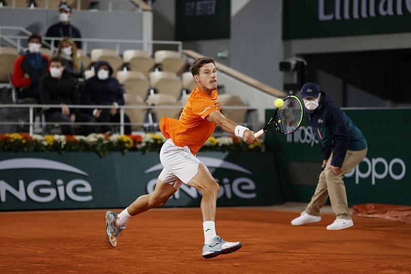 Pablo Carreno Busta won the first set against Novak Djokovic on Wednesday