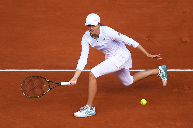 Iga Swiatek in action during the French Open final