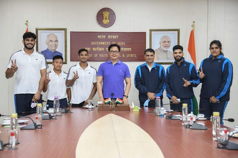 Kiren Rijiju met the Indian judokas ahead of their trip to Hungary for the Budapest Grand Slam