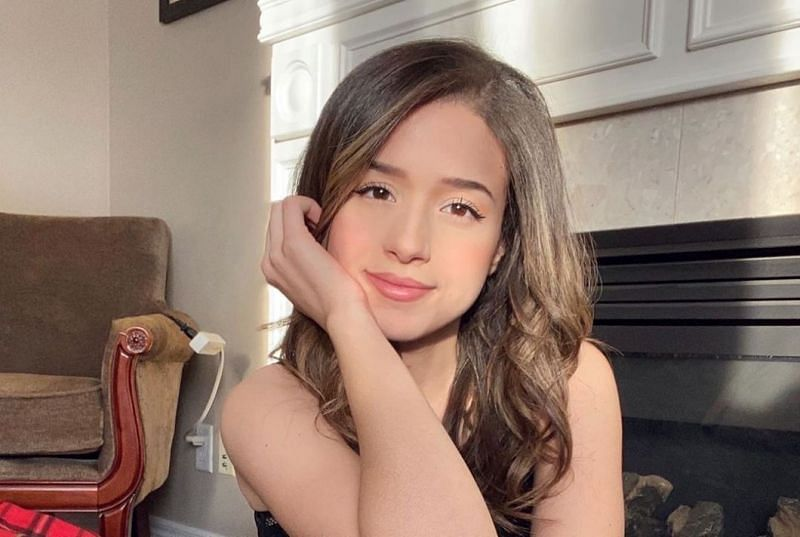 Pokimane recentlytook to Twitter to reveal that she had tried out a few dating apps in the past (Image Credits: wikifamouspeople.com)