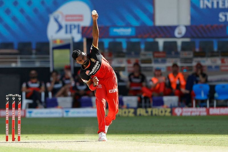 Isuru Udana was extremely expensive for RCB on the day. [PC: iplt20.com]