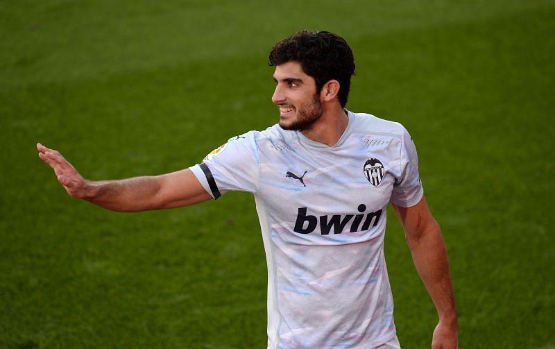 Valencia will play Getafe on Sunday night