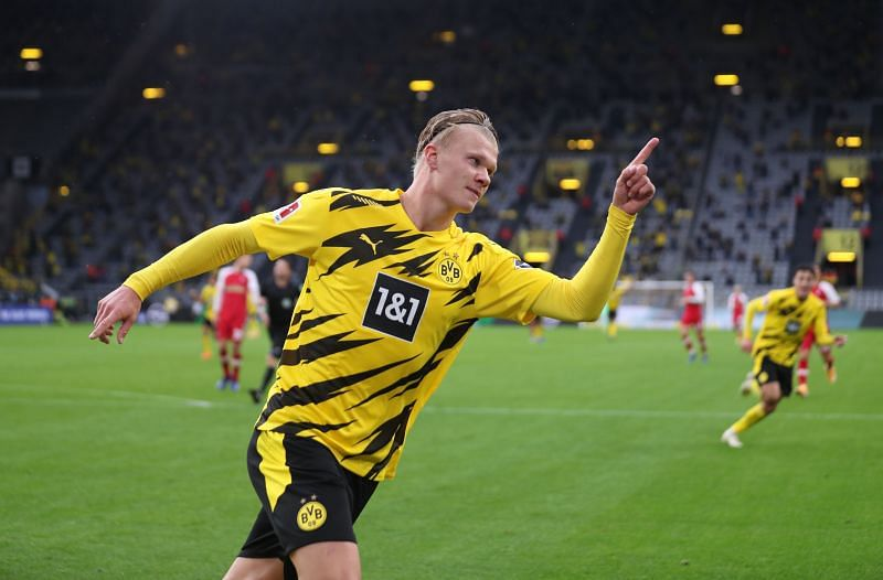 Manchester United are one of the teams interested in signing Erling Haaland
