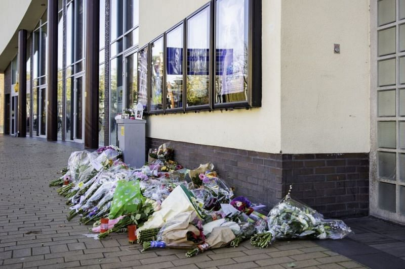 Tributes being paid to the slain couple, outside Pathe Cinema (Image Credits: The Sun)