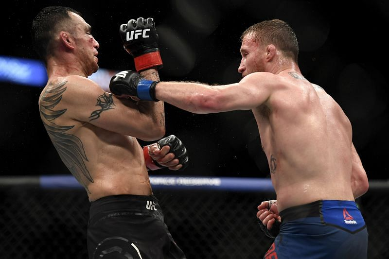 Justin Gaethje (R) punches Tony Ferguson (L) at UFC 249