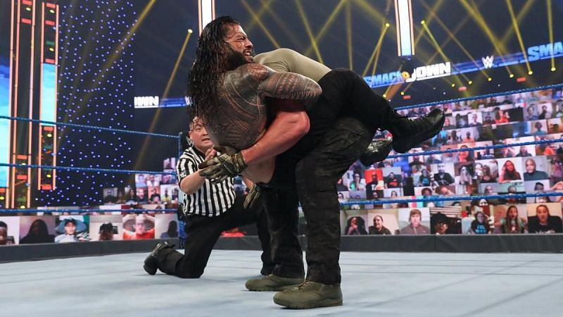 So wait, Roman Reigns is using a submission move now?