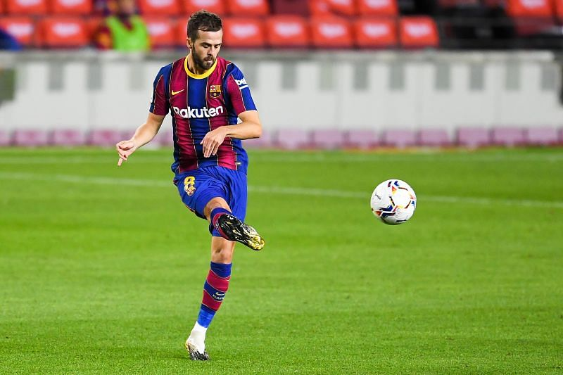 Pjanic in action for his new club Barcelona