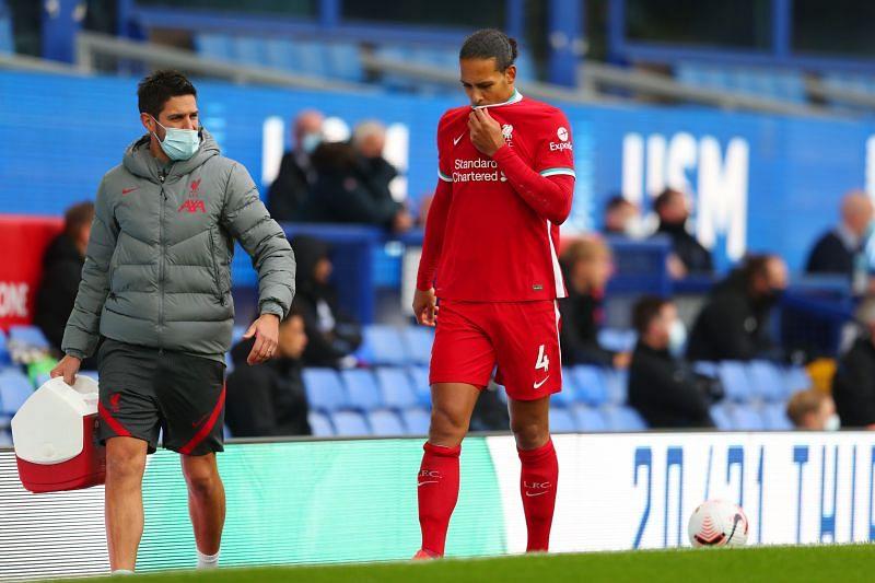 Virgil van Dijk of Liverpool suffered a knee injury against Everton